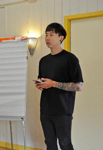 Foto Seungchul op Ontmoetingsdag Vredesbeweging
