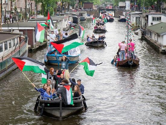 Botenparade Gaza Freedom Flotilla in Amsterdam