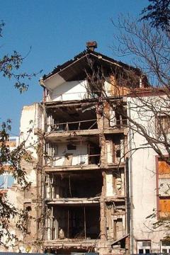 Op 23-4-1999 door NAVO gebombardeerde Servische TV-station