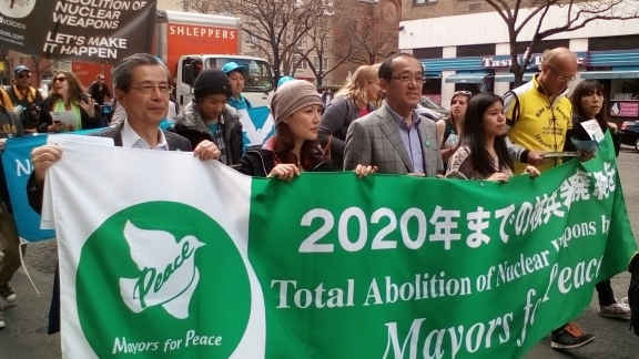 Ook veel burgemeesters demonstreerden.
